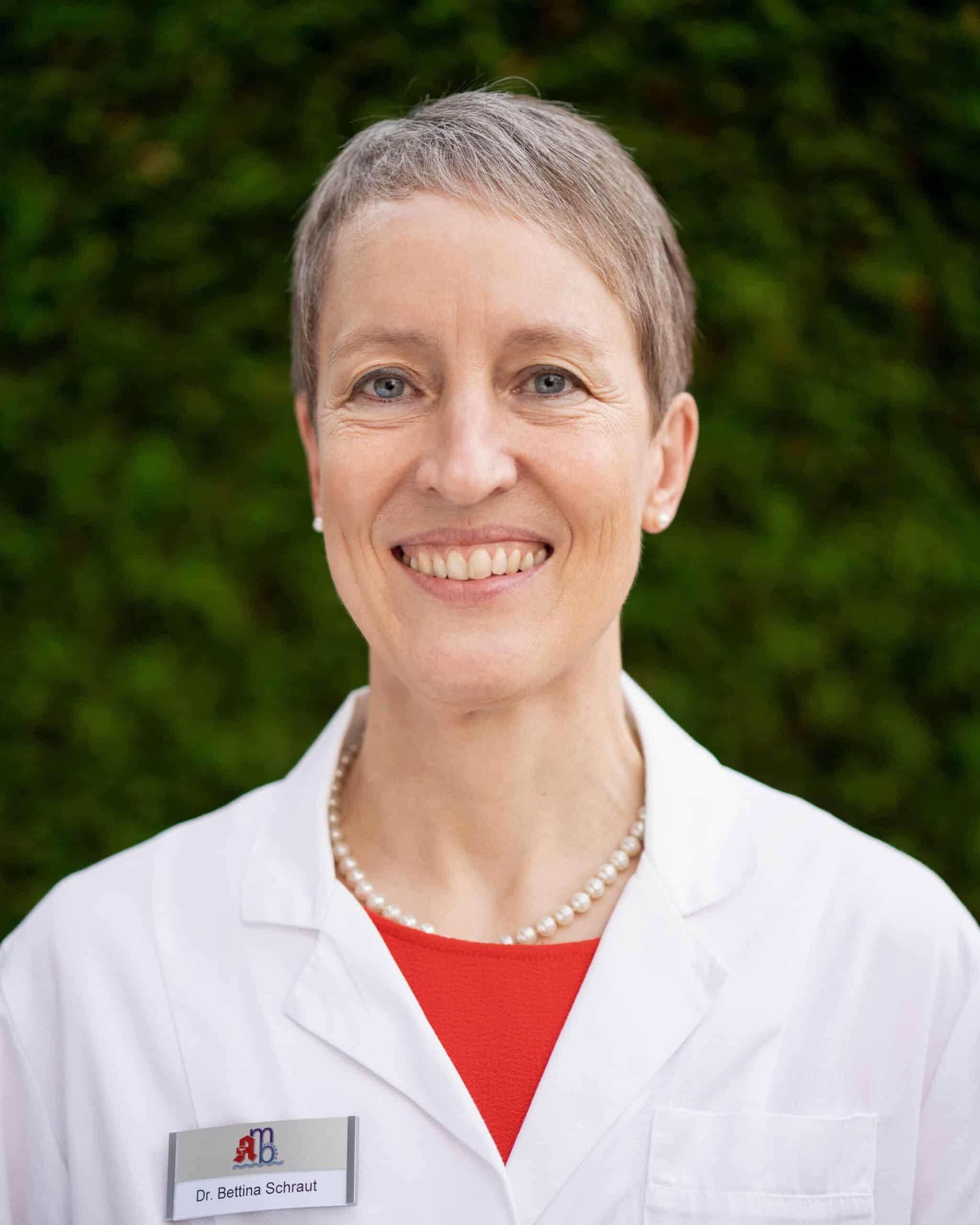 Frau Dr. Bettina Schraut (Apothekerin)