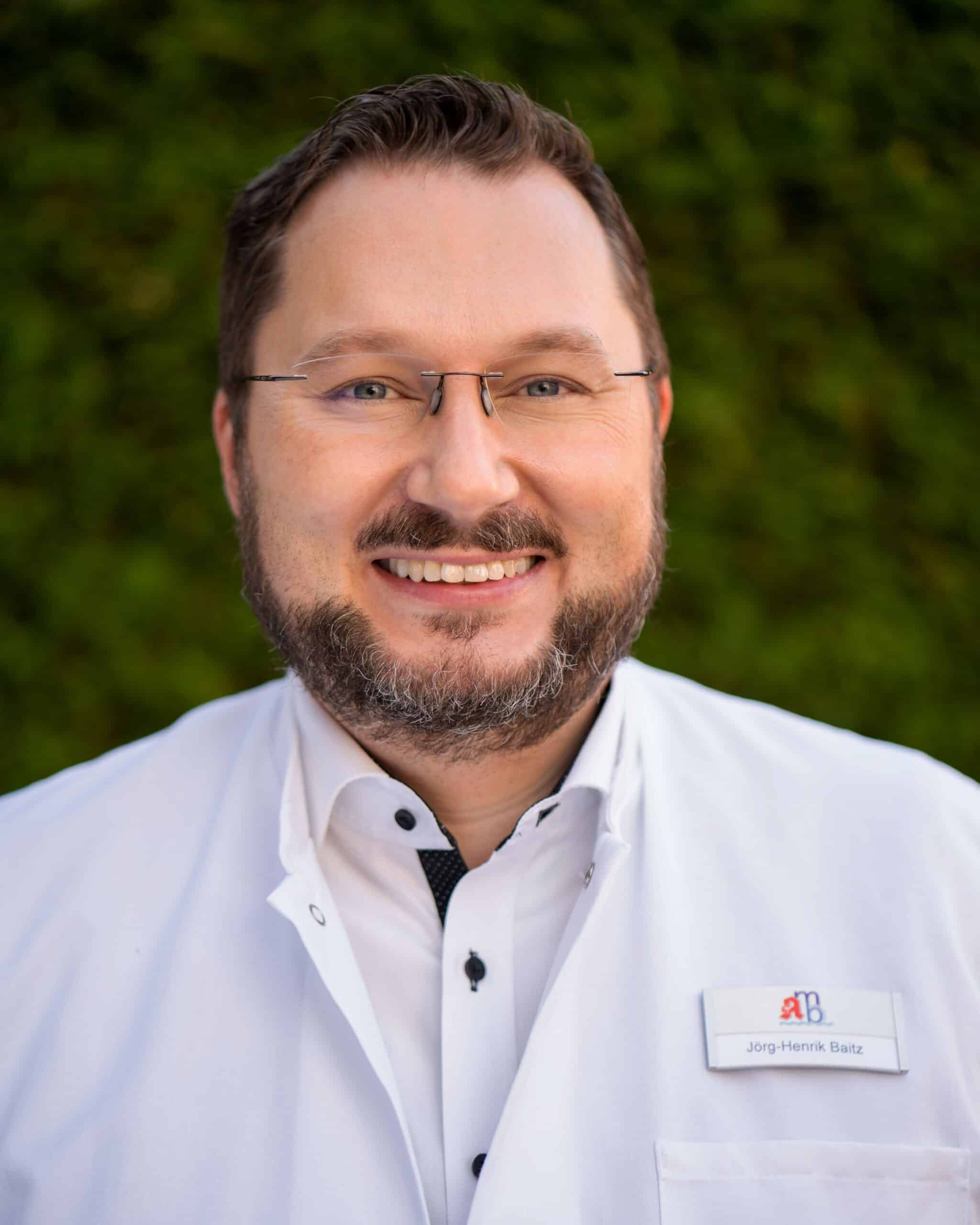 Herr Jörg-Henrik Baitz (Apotheker)